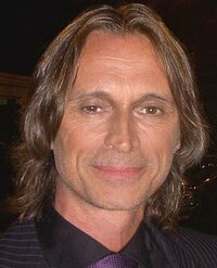 image Robert Carlyle