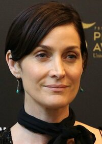 image Carrie-Anne Moss