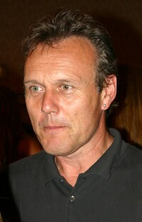 image Anthony Head