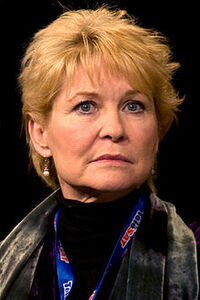 image Dee Wallace-Stone