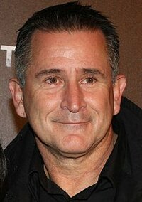 image Anthony LaPaglia