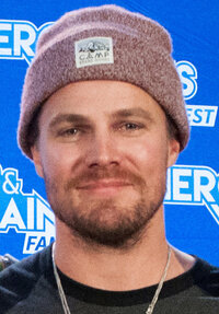 image Stephen Amell